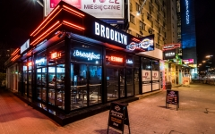 BROOKLYN Restaurant & Bar